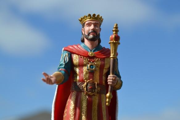 king-1267710_1920
